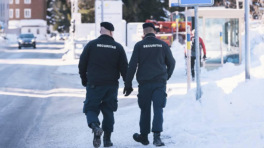 Für private Sicherheitsfirmen gibt es weiterhin keine schweizweit einheitlichen Regeln. Der Ständerat hat sich knapp dagegen ausgesprochen. (Themenbild)