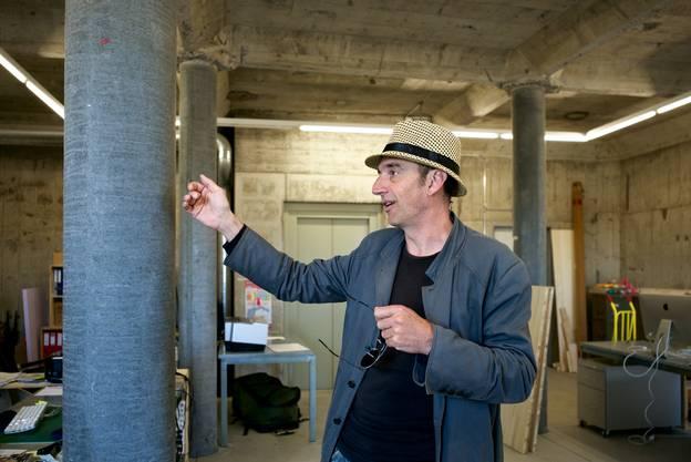 Die Säulen wurden vor einem Jahr beim Umbau errichtet. Die Zwischenwände sind weg.