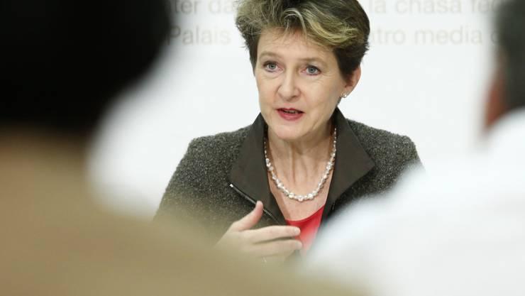 Justizministerin Simonetta Sommaruga verteidigt im Kampf gegen die Durchsetzungsinitiative der SVP die demokratischen Errungenschaften der Schweiz.
