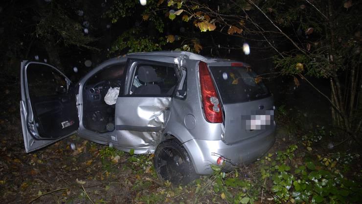 Das Unfallauto erlitt Totalschaden.