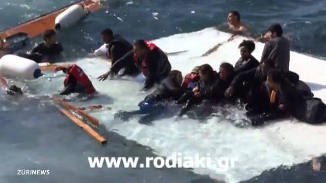 Erste Opfer im Mittelmeer geborgen