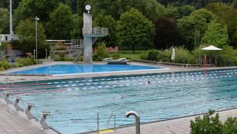 Wie hier in Aarau waren in diesem Sommer in den Aargauer Freibädern nur wenige Schwimmer zu sehen.