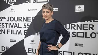 """Grosse Anerkennung für ihren Erstlingsfilm: Boutheyna Bouslama wurde an den 55. Solothurner Filmtagen für """"A la recherche de l'homme à la camera"""" mit dem """"Prix de Soleure"""" ausgezeichnet."""