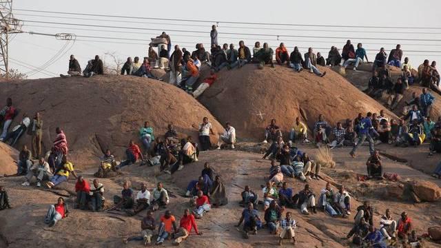 Streikende Minenarbeiter in Marikana bei Johannesburg
