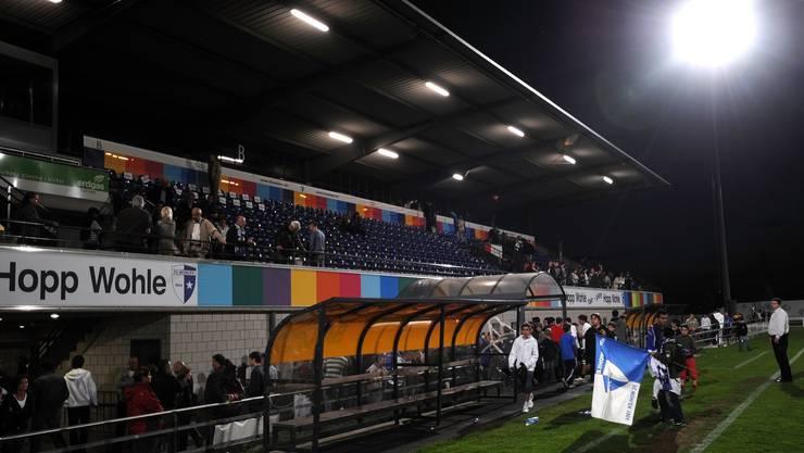 Sportlich ein Lichtblick, stadionmässig ein Schattendasein: Das Wohler Stadion Niedermatten erfüllt die Vorgaben für die Super League bei weitem nicht.