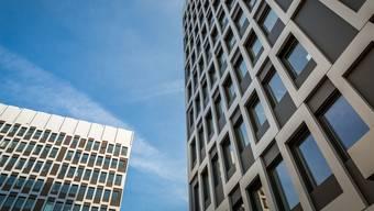 Hoch hinaus: In Schlieren sollen Hochhäuser (hier jene des Bio-Technoparks) auf weniger Hürden stossen als bisher.