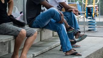 Flüchtlinge akzeptieren, ihnen aber nicht selber helfen: So tickt die Schweizer Bevölkerung laut einer Umfrage. (Archivbild)