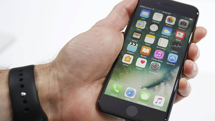 Apple empfiehlt, beim Telefonieren mit dem iPhone 7 die Freisprechoption zu verwenden, um die Strahlenbelastung zu vermindern.