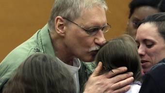 Freude nach der Entlassung - Ernüchterung in der Freiheit: US-Amerikaner David Ranta erleidet einen Herzinfarkt