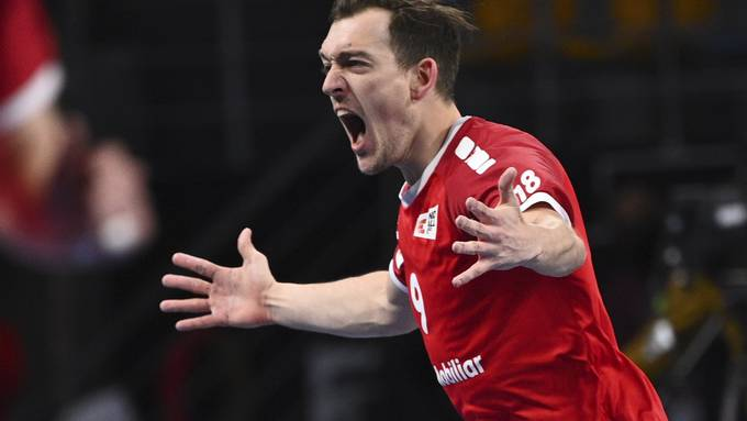 Der Aargauer Nationalmannschafts-Flügel Marvin Lier bejubelt einen seiner insgesamt 17 Treffer an der Handball-WM in Ägypten.