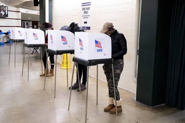 In den ersten Swing States schliessen die Wahllokale.