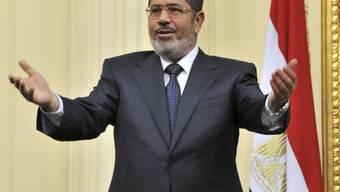 Will noch dieses Jahr ein neues Parlament für Ägypten: Präsident Mursi (Archiv)