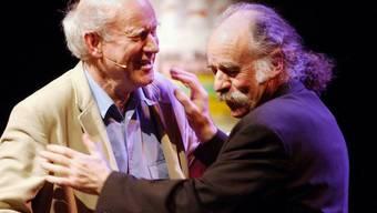 René Quellet - hier 2003 mit Franz Hohler an einer Gala im Zürcher Volkshaus - ist am Donnerstag 86-jährig gestorben.