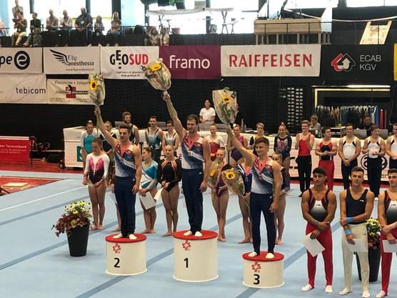 Janick Brunner (TV Lupsingen, NKL) Schweizer Meister der Amateure im Mehrkampf. Benaja Munsch (TV Ziefen, NKL) auf dem 2. Rang und Yannick Rüfenacht (TV Sissach, NKL) auf dem 3. Rang komplettierten das Podest. Foto: zvg