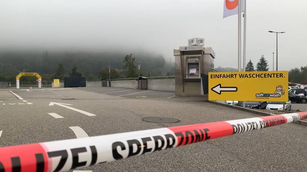 Rothrist (AG): Unbekannte Täterschaft versuchte Bankomaten zu sprengen