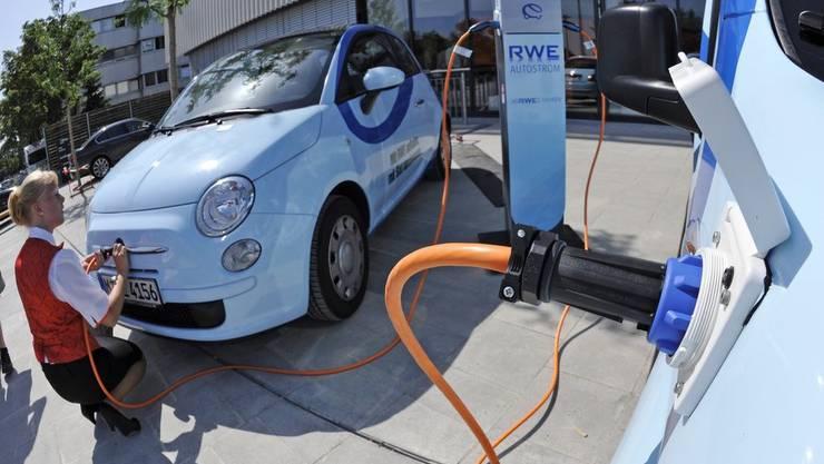 Alpiq will Elektro-Tankstelle bauen. Im Bild eine des deutschen Konkurrenten RWE.