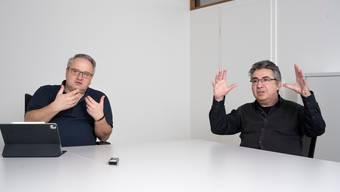 """Interview mit Gemeindeammann Mario Schegner (links) und Gemeinderat Andreas von Gunten zur Urnenabstimmung """"Modularer Schulraum"""", Kölliken, 21. Januar 2021."""