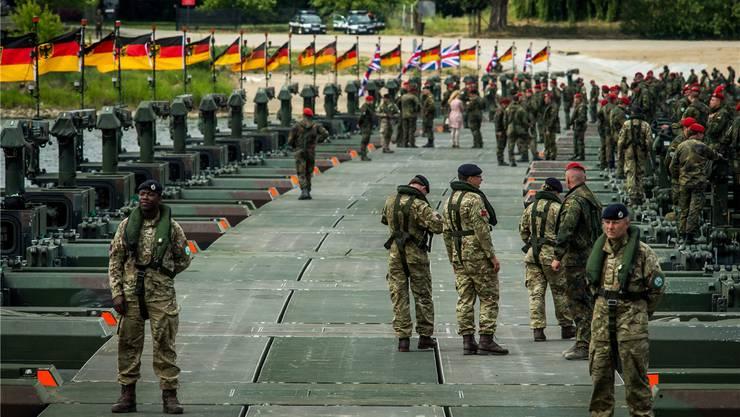 Eben erst führte die Nato in Polen ein Grossmanöver durch (Bild). Jetzt hat ein weiteres Manöver im Baltikum begonnen.TYTUS ZMIJEWSKI/EPA/Key