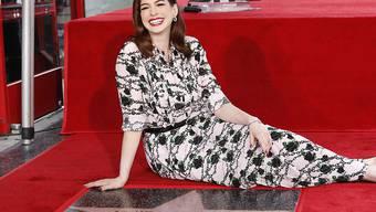 """Hat nun einen eigenen Stern auf dem """"Walk of Fame"""" in Hollywood: US-Schauspielerin Anne Hathaway (""""Les Misérables"""")."""