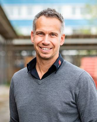 Sven Döscher ist Projektleiter der Sparte Hochsicherheit