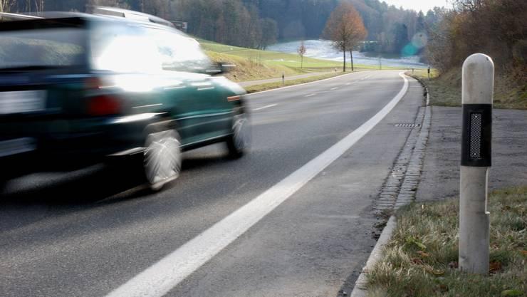 Wer bei erlaubten 80 km/h mit 140 km/h geblitzt werde, so Stefan Krähenbühl, habe nicht begriffen, dass er andere Verkehrsteilnehmer massiv gefährde. (Symbolbild)