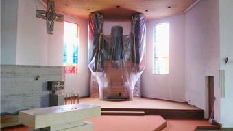 Die Orgel in der Wallbacher Kirche ist verpackt. – Foto: chr