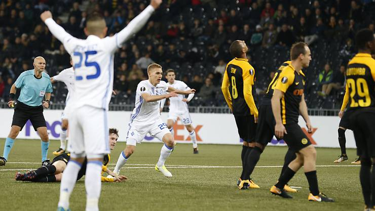 Witali Bujalski (im Zentrum) trifft zum Sieg im Stade de Suisse