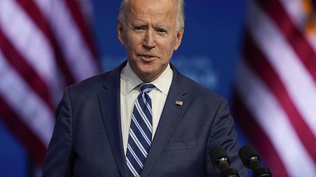 Joe Biden, Gewählter Präsident (President-elect) der USA, spricht im The Queen Theatre. Foto: Carolyn Kaster/AP/dpa
