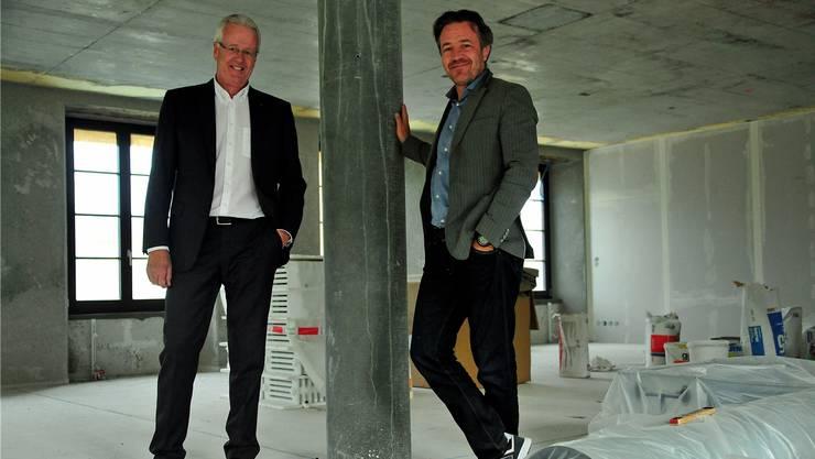 Vor sechs Jahren haben Werner Eglin (links) und Stefan Wetzel das einstige Hotel übernommen. Im März 2016 wird die «Kettenbrücke» als Vier-Sterne-Hotel wieder eröffnet.