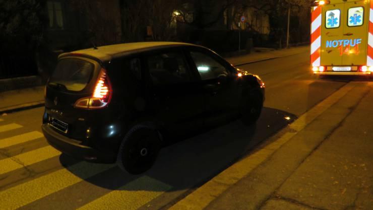 Zofingen AG, 23. Januar: Ein Auto kollidiert auf einem Fussgängerstreifen mit einer Frau, die beim Unfall leicht verletzt wird.