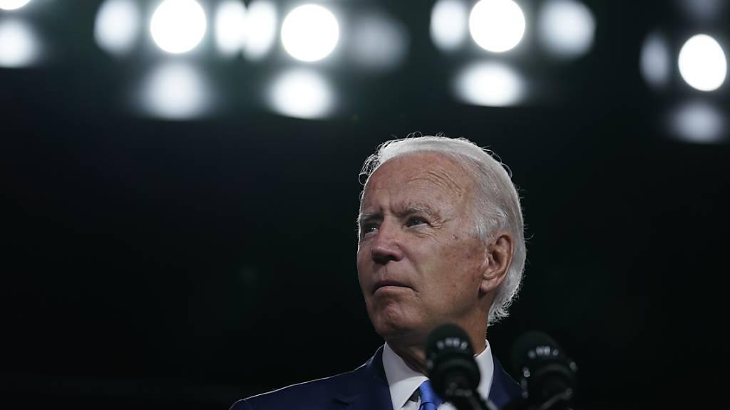 Joe Biden hält eine Rede bei einer Wahlkampfveranstaltung. Foto: Carolyn Kaster/AP/dpa
