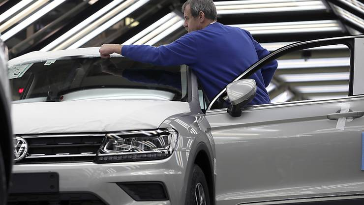 Voll digitalisiert: Volkswagen bündelt Tausende IT-Experten in einer Einheit. Unter anderem gehört die mit dem US-Technologieriesen Microsoft angekündigte Cloud-Zusammenarbeit zu den Projekten. (Archivbild)