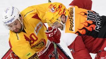 Ein ausgeglichener Kampf: Lausanne (Dustin Jeffrey, rechts) gegen Langnau (Eric Himelfarb)