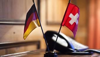 """Der 54-jährige Schweizer, der Ende April wegen des Verdachts auf Spionage verhaftet wurde, hat laut seinen Verteidigern """"gelegentlich kleinere Aufträge"""" vom Nachrichtendienst des Bundes erhalten. (Symbolbild)"""