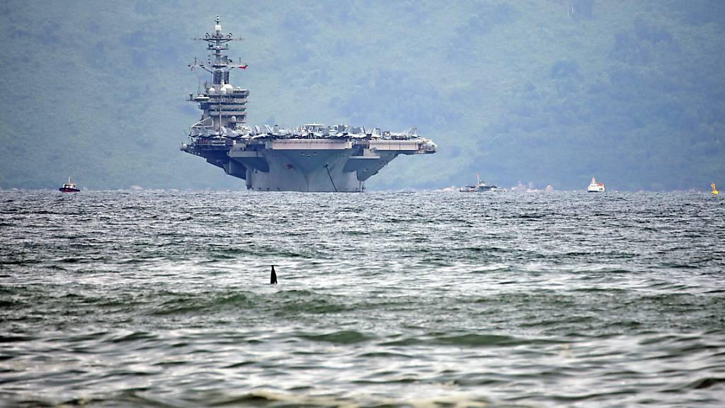 2700 Besatzungsmitglieder verlassen US-Flugzeugträger