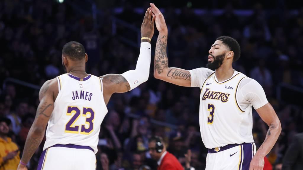 Davies und James dominieren mit den Lakers die NBA