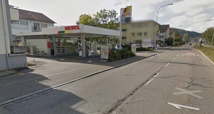 ... die Migrol-Tankstelle an der Winterthurerstrasse überfallen hat.