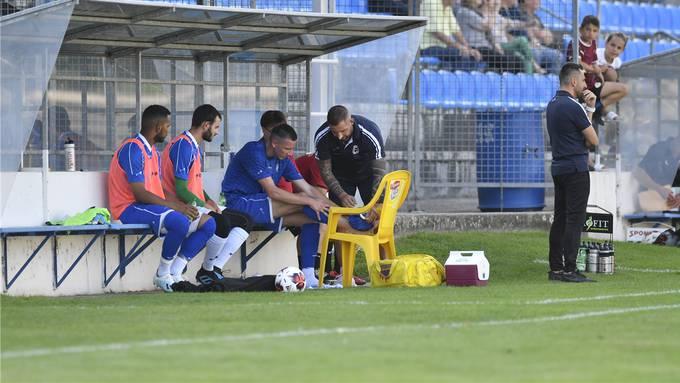 Im dritten Saisonspiel gegen den FC Freienbach bekam Dzenis Poljak einen Schlag auf den Knöchel und musste nach einer halben Stunde raus. Bild: Oliver Menge (24. August 2019)
