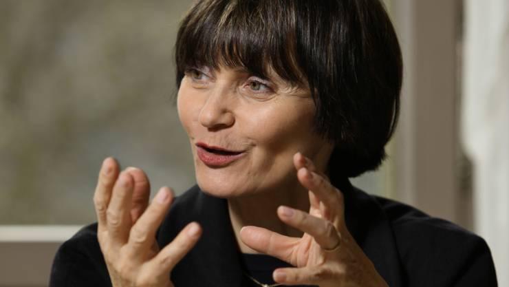 Nach Bulle, Genf, Basel, Morges und Baden macht Bundespräsidentin Micheline Calmy-Rey heute Abend in Grenchen Halt.  Chris Iseli