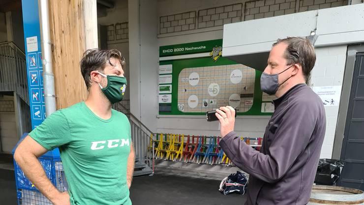 Sportjournalist Marcel Kuchta im Interview mit Captain Philipp Rytz.