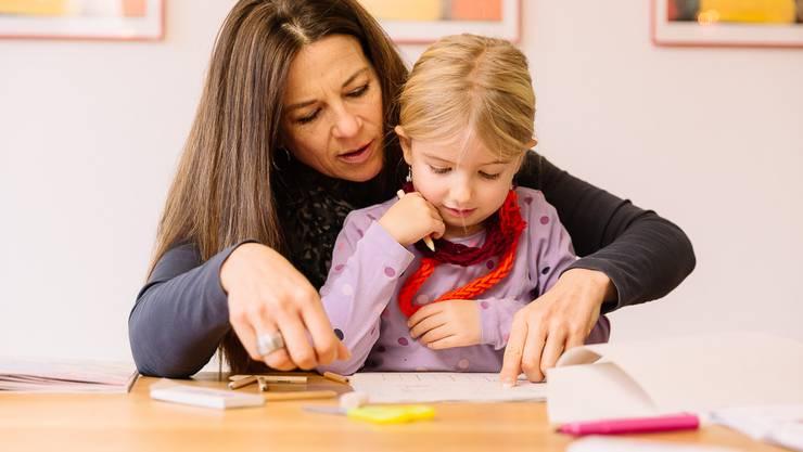 Kinder betreuen – eine bereichernde Aufgabe die viel Verantwortung mit sich bringt. In unserem Einführungskurs erhalten Sie das notwendige Rüstzeug dazu.