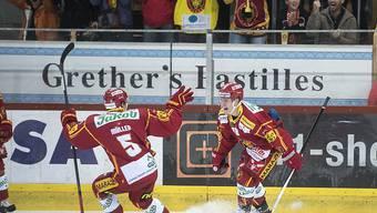 Ville Koistinen (rechts) bejubelt das 2:0