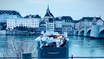 Dass der teuer Mülleimer am Sonntag so aussah, verärgerte viele Basler.