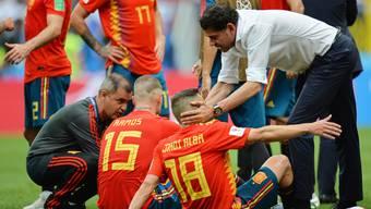 Spanien-Trainer Fernando Hierro versucht vor dem Penaltyschiessen die letzten Kräfte zu mobilisieren.