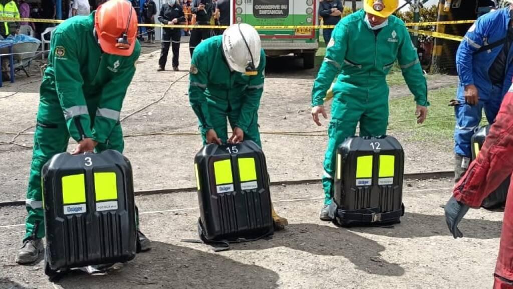 HANDOUT - Ein Team ist nach der Explosion in einer Kohlemine im Einsatz. Laut Informationen der ANM wurde der Notfall durch eine Methan-Explosion ausgelöst. Foto: ---/ANM Colombia/dpa - ACHTUNG: Nur zur redaktionellen Verwendung und nur mit vollständiger Nennung des vorstehenden Credits