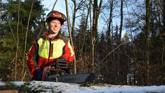Früher arbeitete Sandra Kneubühl im Büro, nun ist sie eine der wenigen Frauen, die sich zur Forstwartin ausbilden lassen.