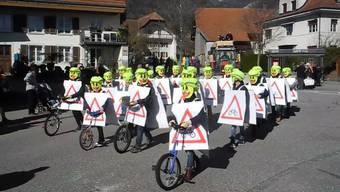 14 Nummern umfasste der Kinderumzug am Schmutzigen Donnerstag 2020 in Bettlach. Die Böögianer fuhren erstmals mit einem Wagen durch Dorf.