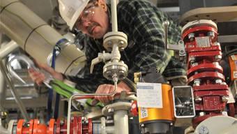 Fehlstart: Ein CABB-Monteur bei der Installation der neuen Anlage.