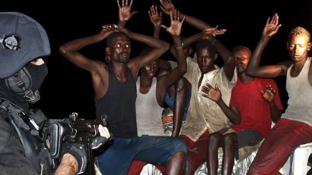 Piraten kommen laut einem UNO-Bericht meist ohne Prozess und Strafe davon