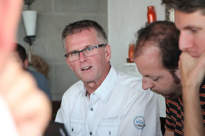 Hanspeter Krüsi, Mediensprecher der Kantonspolizei, erklärt den Journalisten ihre Aufgaben. (Bild: FM1Today)